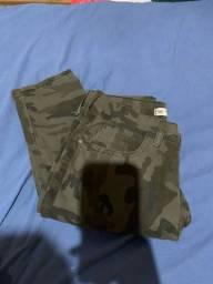Calça camuflada tamanho 36 (feminina)