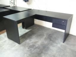 Mesa em L c/2 gavetas