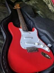 Vendo guitarra com capa em excelente estado