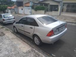 Ford focus 2001  2.0 completo