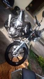 Troca-se duas motos em carro