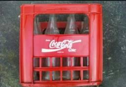 Título do anúncio: Vende -se Engradado de Coca Cola de 1 litro com 12 Garafas de Vidro