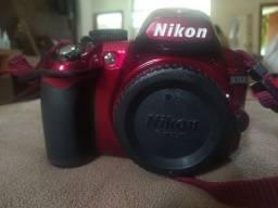 Câmera Nikon D3100 Red