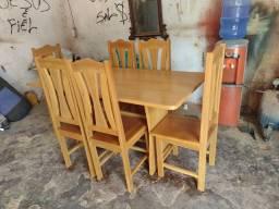 Conj: de cadeira e mesa de Madeira