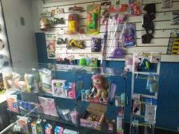 Vendo vitrine e painel canaletado