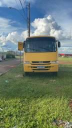Micro ônibus iveco.  68 mil