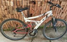 Bicicleta aro 26.bom estado