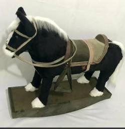 Cavalinho de balanço madeira e pelucia, cavalo infantil e decoraçao