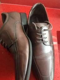 Sapato de couro democrata promoção