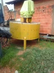 Misturador de concreto usado