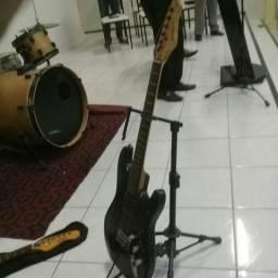 Vendo guitarra usada por apenas 230