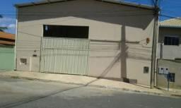 Excelente Galpão, muito bom para Comercio como Padaria, Açougue, Loja de consertos em gera