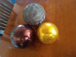 FRUTEIRA e bolas decorativas