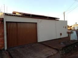 Vende-se casa localizada em Itumbiara-GO