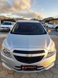 Chevrolet Onix Joy completo 2018