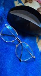 Armação de óculos semi nova
