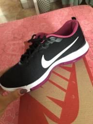 Tênis Nike em ótimo estado