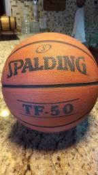 Bola oficial de basketball.