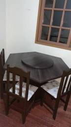 Mesa com Topo Giratório + 6 Cadeiras