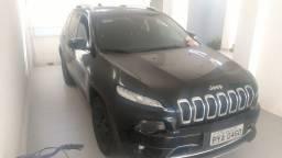 Jeep Cherokee 2015 Limited 50mil km. Barato!!