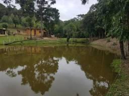 Lindo sitio/chácara em Quitandinha