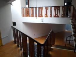 Casa com 317m, 04 quartos, 01 suíte, no bairro Maurício de Nassau em Caruaru