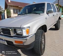 Hilux SR5 2.8 Diesel 4x4 2001 Nova
