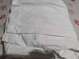 Calças brancas