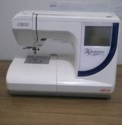 Máquina de Bordar Elna 8300 - Área de 14 x 20 Cm