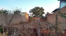 Lote bairro Dona marolina 250m murado fundos e laterais