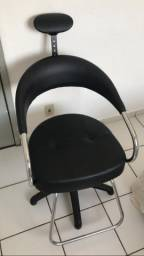 Cadeira Salão Semi Nova 850,00