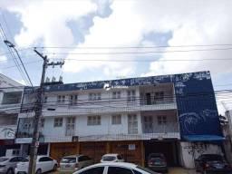 Apartamento 2 quartos, entre as Ruas Barão de Aracati e Carlos Vasconcelos.