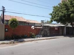 Casa 3 quartos, a poucos metros do Shopping Iguatemi.