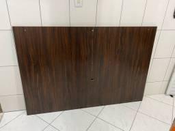 Painel para TV de madeira embuia