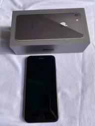 iPhone 8 64GB usado em ótimo estado de conservação