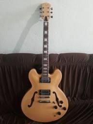 Vendo guitarra semi-acustica da Clark