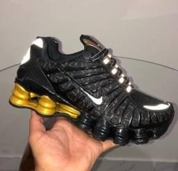 Nike 12 molas refletivo Dourado e preto
