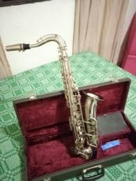 Título do anúncio: Sax tenor em Dó (C) vendo ou troco