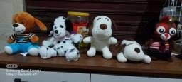 Kit com 5 cachorros de pelúcia