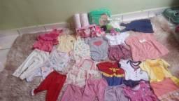 Kit com roupas e itens para Bebê  R$170,00