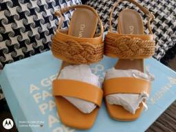 Vendo estas sandálias