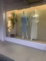 Loja de roupas (instalações) - Ótima localização - com estacionamento para clientes