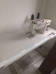 Máquina de costura semi nova