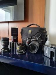 Nikon D7000 + lente nikon 35mm + lente 18-105