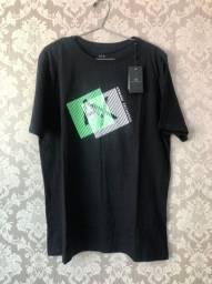 Camisetas de várias marcas