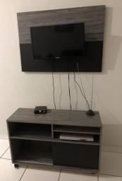 Rack com painel de TV