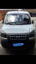 Fiat Doblô Adventure: 6 lugares. R$: 48.000 - 2014