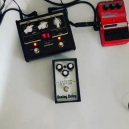 Amplificador e pedal tudo por apenas 550,00 reais