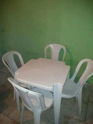 Mesas plásticas brancas (usadas)