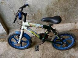 Bicicleta infantil (Ben 10)